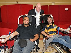 Wilson attends Collingwood Blood Donor Clinic